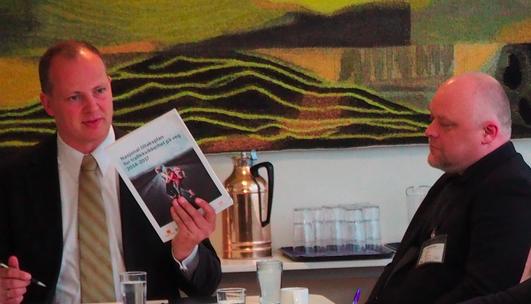 Stig Anders Ohrvik i Nordmørslista vil at samferdselsministeren skal legge E39 utenom Molde. Bildet er fra en annen anledning. Forto: regjeringen.no